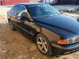 BMW 528 1999 года за 2 300 000 тг. в Атырау – фото 3