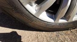 Комплект оригинальных дисков с резиной Mitsubishi pajero 4 за 230 000 тг. в Нур-Султан (Астана) – фото 4