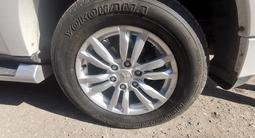 Комплект оригинальных дисков с резиной Mitsubishi pajero 4 за 230 000 тг. в Нур-Султан (Астана) – фото 5