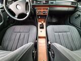 Mercedes-Benz E 230 1992 года за 1 450 000 тг. в Павлодар – фото 4