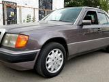 Mercedes-Benz E 230 1992 года за 1 450 000 тг. в Павлодар – фото 5