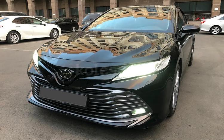 Toyota Camry 2018 года за 15 000 000 тг. в Алматы