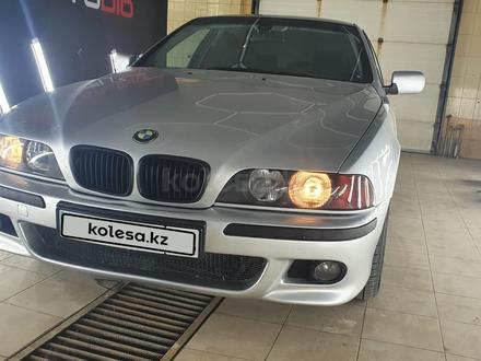 BMW 528 1998 года за 3 400 000 тг. в Атырау