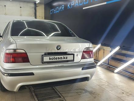BMW 528 1998 года за 3 400 000 тг. в Атырау – фото 7