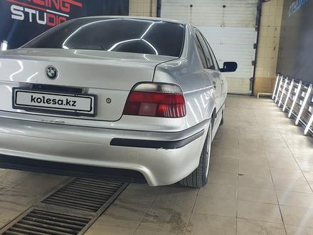 BMW 528 1998 года за 3 400 000 тг. в Атырау – фото 8