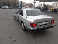 Mercedes-Benz E 230 1991 года за 1 350 000 тг. в Талдыкорган