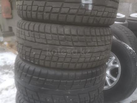 Зимни шина хороший состояние за 160 000 тг. в Алматы