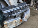 Передние фары и Решётка Радиатор Honda Stepwgn (2001-2005) за 80 000 тг. в Алматы – фото 3
