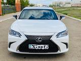 Lexus ES 250 2018 года за 18 200 000 тг. в Уральск