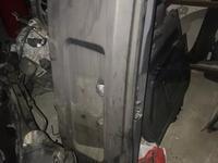 Дверь багажника нижняя за 30 000 тг. в Алматы