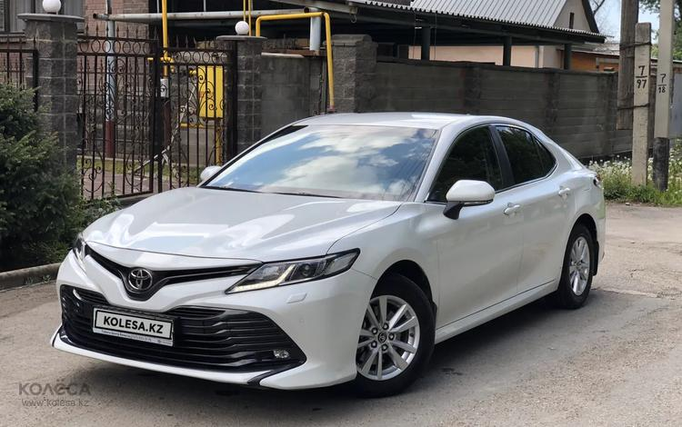 Toyota Camry 2018 года за 10 999 999 тг. в Алматы
