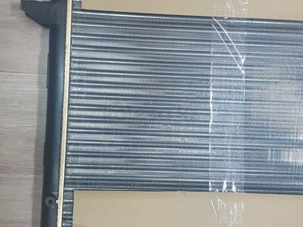 Радиатор охлаждения Шаран 2.8 в Актобе – фото 3