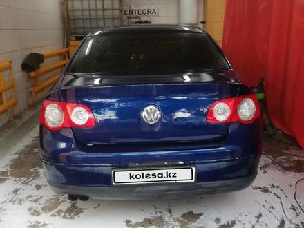 Volkswagen Passat 2006 года за 3 500 000 тг. в Алматы – фото 2