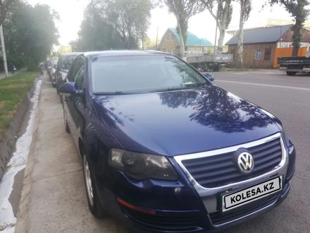 Volkswagen Passat 2006 года за 3 500 000 тг. в Алматы – фото 6