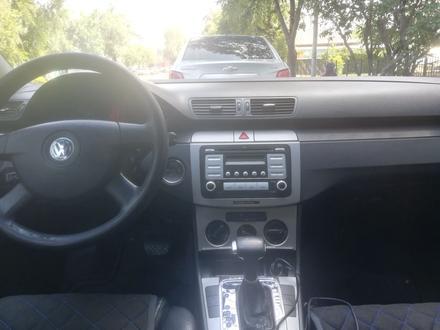 Volkswagen Passat 2006 года за 3 500 000 тг. в Алматы – фото 9