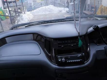 Toyota Estima 1998 года за 2 000 000 тг. в Алматы – фото 10