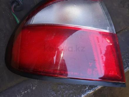 Задний фонарь Mazda 323 за 10 000 тг. в Алматы