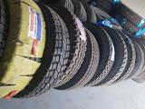 Китайский грузовых шины! за 85 000 тг. в Атырау