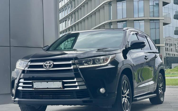 Toyota Highlander 2018 года за 23 000 000 тг. в Нур-Султан (Астана)