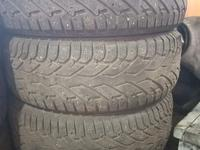 Зимние шины 215/65/16 за 40 000 тг. в Караганда