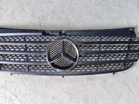 Решётка радиатора Mercedes-Benz W639 за 20 000 тг. в Алматы