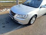 Hyundai Sonata 2010 года за 3 900 000 тг. в Шымкент – фото 4