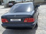 Mercedes-Benz E 240 1999 года за 3 100 000 тг. в Шымкент – фото 3