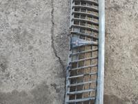 Решетка радиатора mitsubishi Montero хром оригинал черный за 30 000 тг. в Алматы