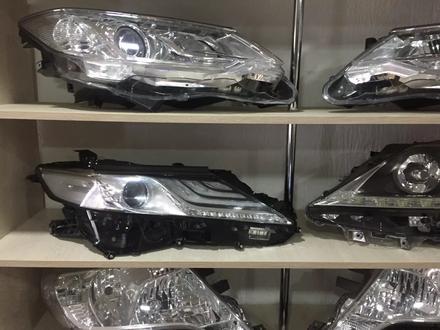 Фара левая Toyota Camry 70 за 300 000 тг. в Костанай