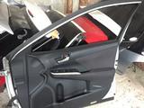 Двери Camry 50 Оригинал за 100 000 тг. в Актау – фото 2