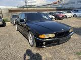 BMW 740 2000 года за 3 000 000 тг. в Алматы – фото 3