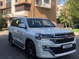 Toyota Land Cruiser 2021 года за 37 500 000 тг. в Алматы