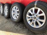R 18 диски тойота LC200 с резиной 285-60-18 Bridgestone зима 4шт new за 355 000 тг. в Алматы – фото 2