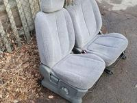 Передние сиденья на Suzuki XL 7 за 25 000 тг. в Алматы