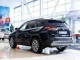 Toyota RAV 4 Luxe 2.5 2021 года за 21 020 000 тг. в Алматы – фото 5