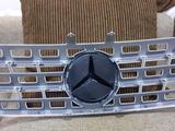 Решётка радиатора на Mercedes ML w164 за 80 000 тг. в Нур-Султан (Астана) – фото 2