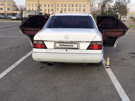 Mercedes-Benz E 300 1990 года за 1 200 000 тг. в Алматы – фото 5