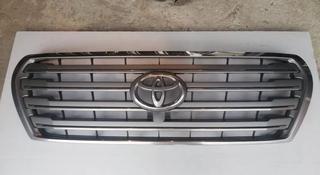 Решетка радиатора Toyota Land Cruiser 200 за 65 000 тг. в Костанай