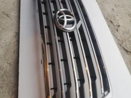 Решетка радиатора Toyota Land Cruiser 200 за 65 000 тг. в Костанай – фото 5