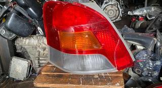 Задний левый фонарь Toyota Yaris p90 (2005-2011) за 15 000 тг. в Алматы