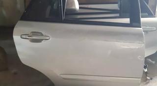 Задняя правая дверь rx330-350 за 505 тг. в Алматы