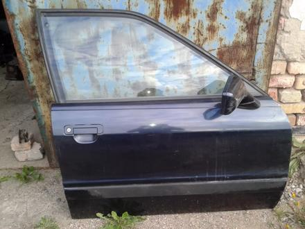 Дверь Audi 80 b3 за 15 000 тг. в Караганда