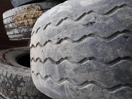 Грузовые шины на 22, 5 за 20 000 тг. в Актобе