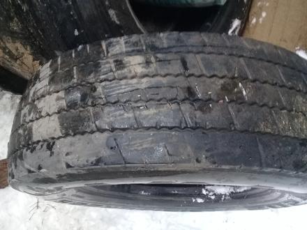 Грузовые шины на 22, 5 за 20 000 тг. в Актобе – фото 2