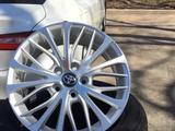 Новые Легкосплавные Диски Toyota Camry 70 r18 за 177 500 тг. в Алматы – фото 2