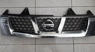 Решетка радиатора на Nissan Navara 2002 года за 15 000 тг. в Нур-Султан (Астана)