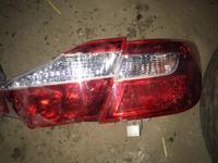 Задние фонари Toyota Camry 50 оригинал за 70 000 тг. в Атырау