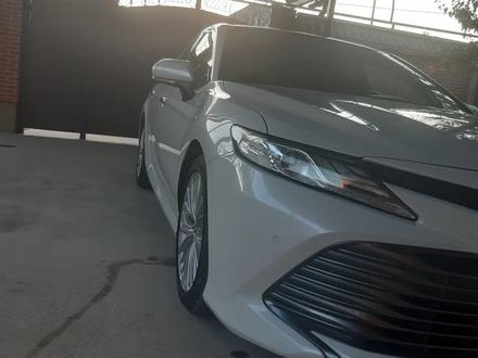 Toyota Camry 2019 года за 15 000 000 тг. в Шымкент – фото 18