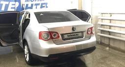 Volkswagen Jetta 2007 года за 2 400 000 тг. в Актобе – фото 3