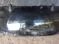 Стекло крышки багажника за 40 000 тг. в Алматы